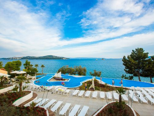 camping-belvedere-pool-with-sea-view-i